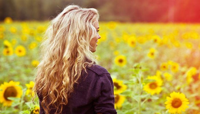 Η ΑΠΟΚΑΛΥΨΗ ΤΟΥ ΕΝΑΤΟΥ ΚΥΜΑΤΟΣ: Ανακαλύπτοντας την Φωτεινή Πλευρά του Εαυτού μας