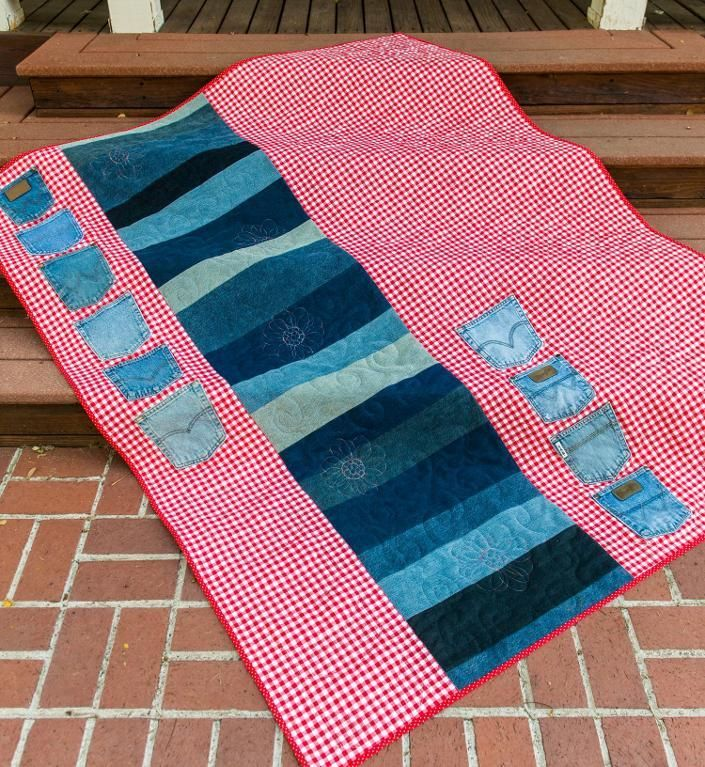 Who doesn't have an old pair of jeans that has seen better days? Put them to good use in a new quilt! Check more at https://www.craftsy.com/blog/2015/01/denim-quilt-patterns/