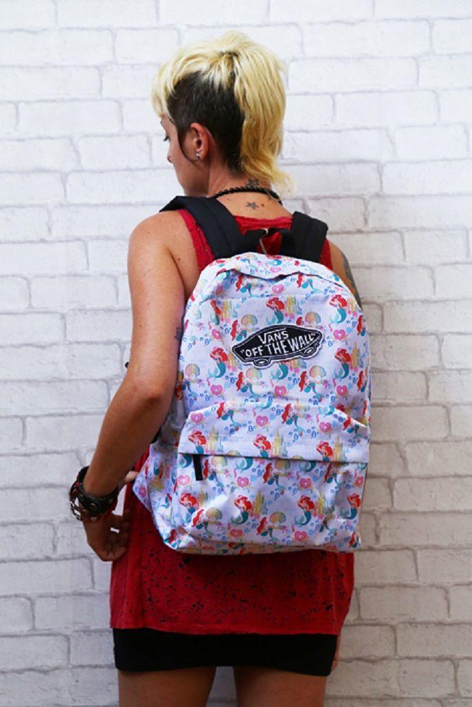 Vans x Disney Young at Heart Ariel. #vans #disney #youngatheart #ariel https://www.zapatosmayka.es/es/catalogo/complementos/vans/gorros-gorras/mochila/085069956776/vans-disney-backpack