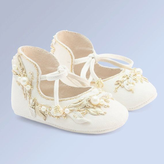 Hey, I found this really awesome Etsy listing at https://www.etsy.com/listing/268200293/baby-girl-shoes-baby-shoes-white-baby