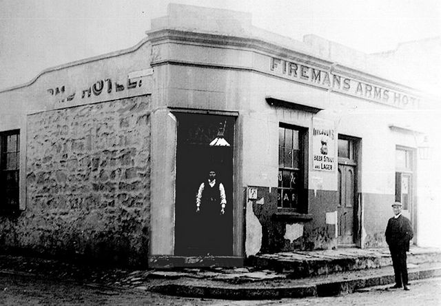 The Fireman's Arms early 1900s . dates back to 1864.  Corner Buitengracht and Mechau streets