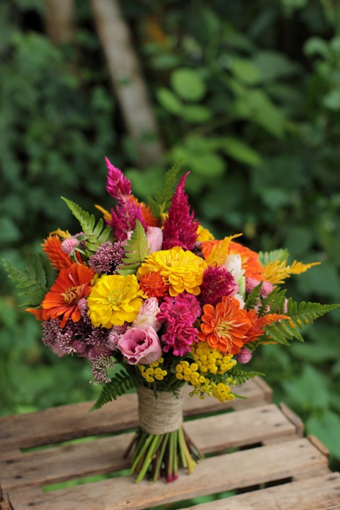 August bridesmaid bouquet. This would make a great centerpiece of floral arrangement for a vase. Cutting garden bouquet idea.