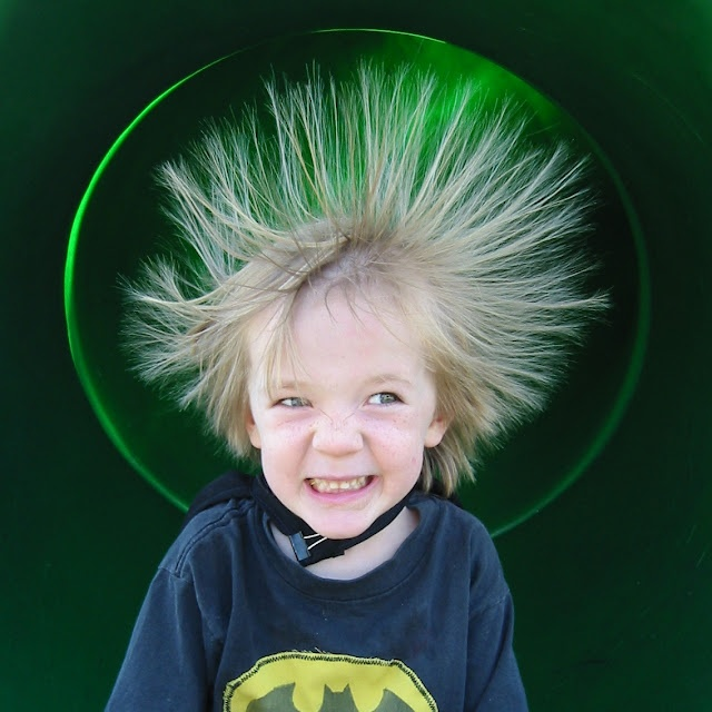 7 Green Ways to Deal With Static Hair--and I have static hair, all the time!Bananas Honey, Kids Portraits, Carl Hair, Beautiful Blogabl, Static Hairand, Hair Remedies, Beautiful Duty, Beautiful Hacks, Photography Inspiration