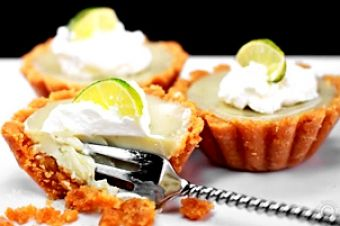 Clark's Oyster Bar Seafood 1200 W 6th St, Austin, 78703  https://munchado.com/restaurants/clark's-oyster-bar/53111?sst=a&fb=m&vt=s&svt=l&in=Austin%2C%20TX%2C%20USA&at=c&lat=30.267153&lng=-97.7430608&p=0&srb=r&srt=d&q=seafood+notable%20chef&dt=c+fe&ovt=restaurant&d=0&st=d