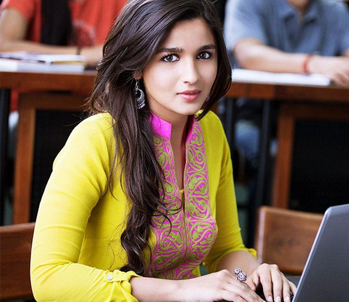 Alia Bhatt in '2 States': From Anushka Sharma in 'Ae Dil Hai Mushkil' to Deepika Padukone in 'Piku', 10 times Bollywood divas dressed up like real girls. @topupyourtrip