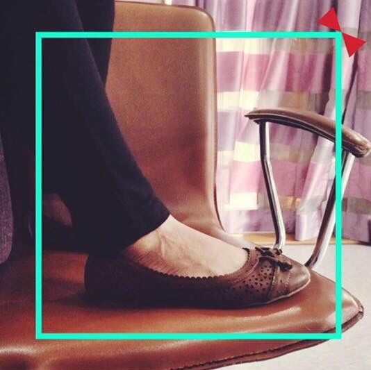 Play #peekaboo with these basic brown flats at #INTOTO