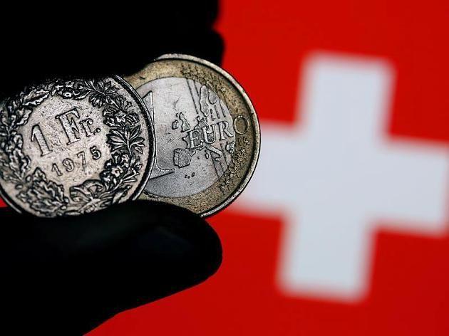 Die Schweizer Nationalbank hatte den Mindestwechselkurs von 1,20 Franken pro Euro aufgehoben, der Franken hatte sich daraufhin deutlich verteuert.