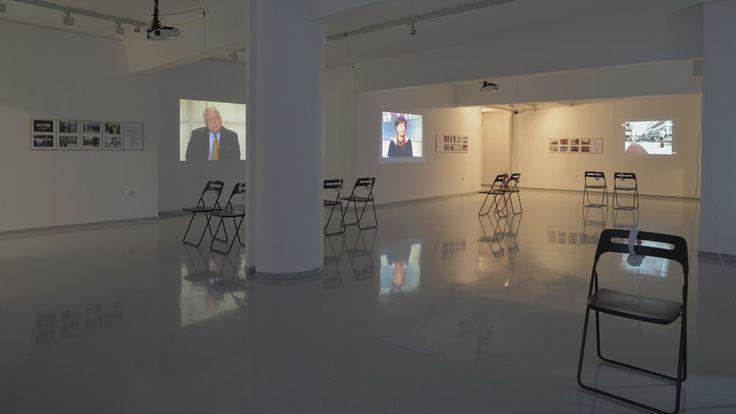 Μιλήσαμε με την επιμελήτρια της έκθεσης «Past forward: Το παρελθόν αφορμή για νέες αφηγήσεις του παρόντος» στο Ινστιτούτο Σύγχρονης Ελληνικής Τέχνης, Χάρις Κανελλοπούλου.