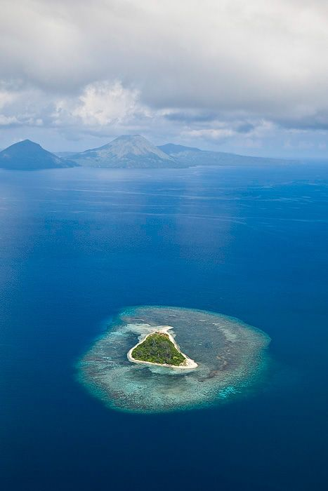 Pristine PNG island  Papua New Guinea, Rabaul