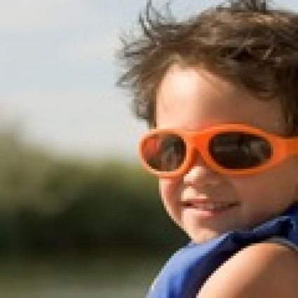 Mắt Kính Trẻ Em Polaroid Chống tia UV với Gọng nhựa dẻo,đàn hồi tốt,Nhiều Mẫu Mã,Mầu Sắc cho bé Lựa Chọn | AVEGO.VN