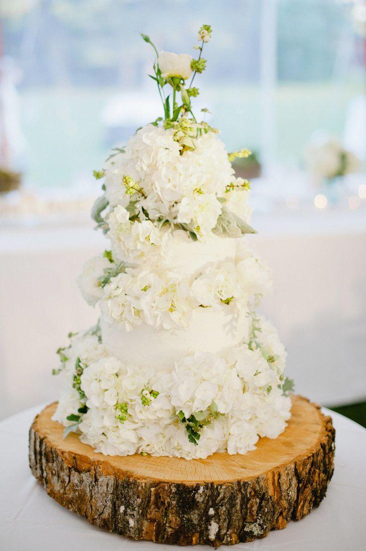 flower cake, wood cake stand