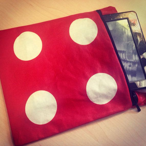 Holiday Pouch on Etsy, £5.00