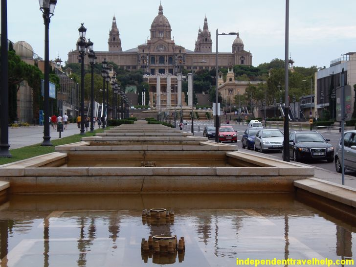 If you want to get away from all the craziness and noise of #barcelona, head to Museu Nacional d'Art de Catalunya.