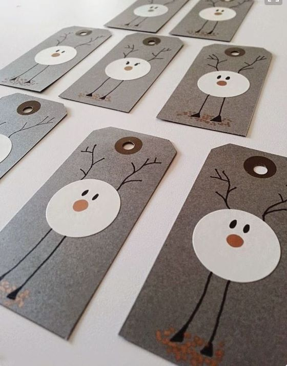 Sweet reindeer gift tags are easy to make | holiday gift wrap