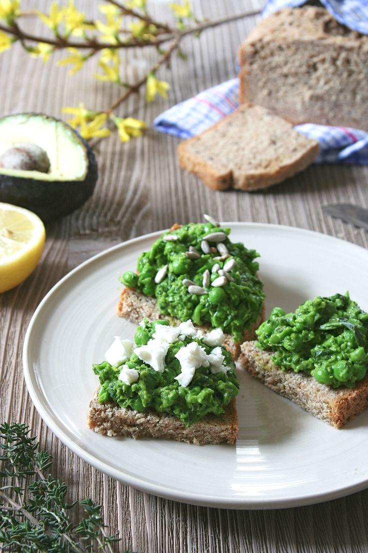 Pea spread with avocado