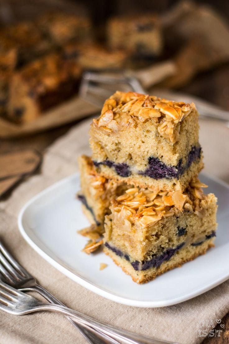 Heidelbeer-Mandelkuchen vom Blech - Holla die Kochfee