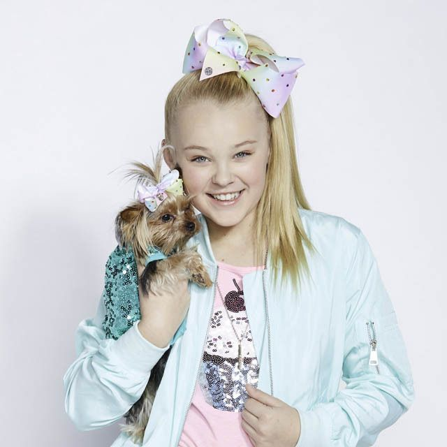 We have lots of new JoJo Siwa bows coming soon including this Claire's exclusive pastel diamante bow  Keep your eyes pealed and join #JoJosBowParty whilst stocks last!  #ItsAtClaires