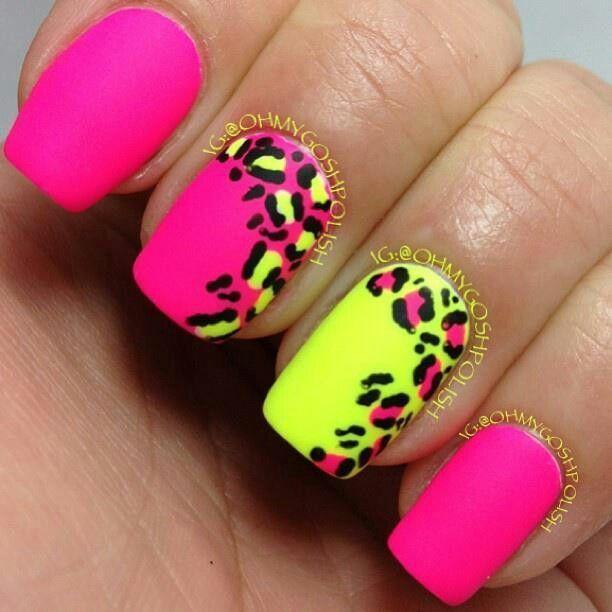 neonowe paznokcie w panterke