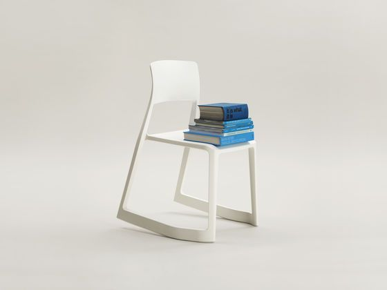 Vitra stoel Tip Ton door Edward Barber & Jay Osgerby   www.designlinq.nl