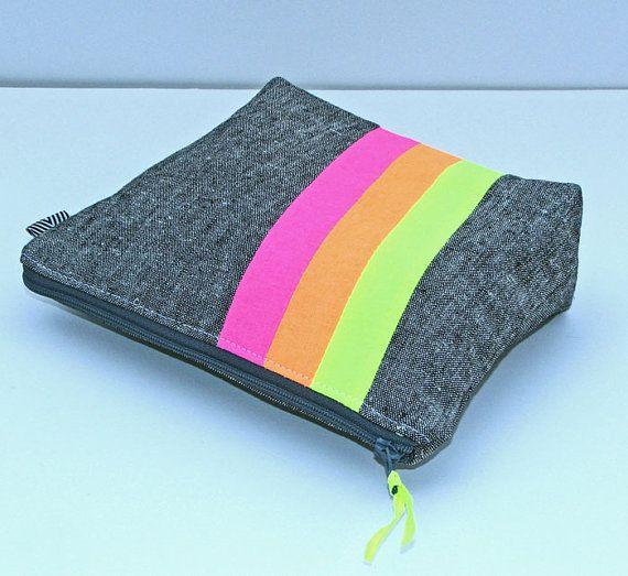 Padded Zipper Pouch Gadget by SewFantasticHandmade