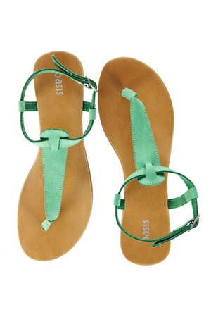 minty green sandals   Oasis online shop $36 (int'l shipping $10)