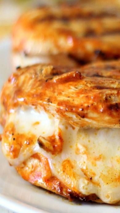 Grilled Cheesy Buffalo Chicken