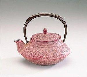 collectors cast iron tetsubin tea pots, iron teapots, japanese teapots, made in Japan