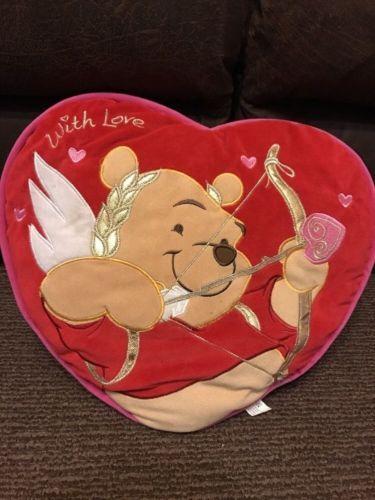 Disney-Winnie-the-Pooh-13-034-Cupid-034-Avec-amour-034-doux-peluche-Coussin-Oreiller-Tres-bon-etat