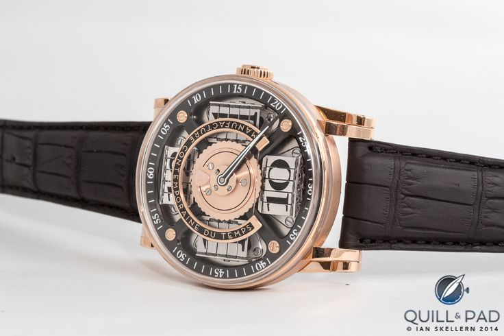 MCT Sequential Two S200 in red gold: the time is 10:10