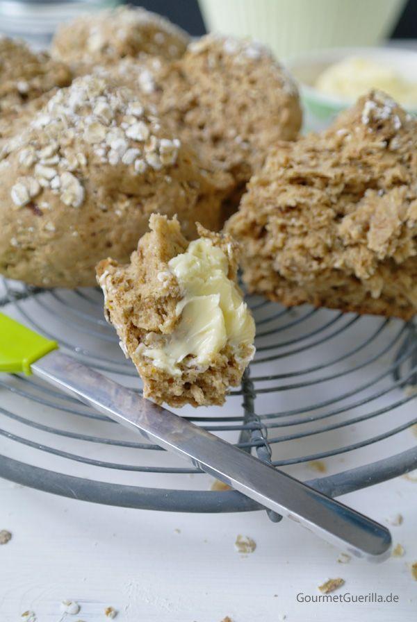 Easy-peasy-20-Minuten Haferflockenbrot mit Buttermilch. Das könnte doch glatt Euer 1. selbstgebackenes Brot werden …