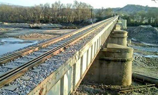 CRÓNICA FERROVIARIA: Tucumán: Concluyeron trabajos de reparación de pue...