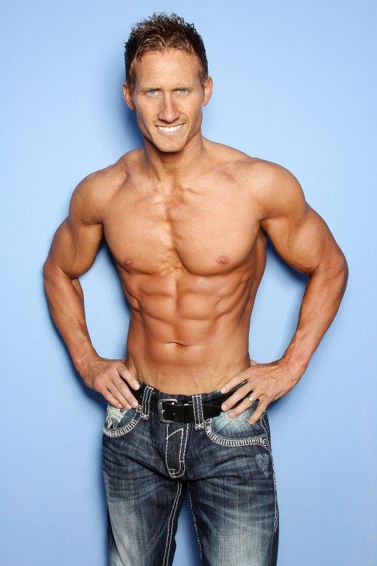 Top 10 Waist Slimming Exercises for Men - http://www.top.me/fitness/top-10-waist-slimming-exercises-for-men-1117.html