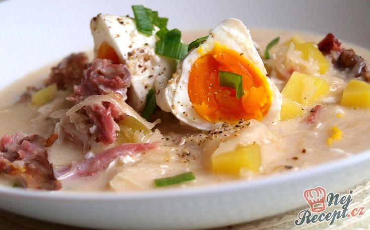 Někdo tuto polévku připravuje jinak, někdo to podává bez vajíčka, bez uzeného masa nebo dokonce bez brambor. My doma máme rádi s vajíčkem a s pořádnou dávkou masa. Pro někoho to může být kombinace zelňačka a kulajda, ale to je jedno, je to nebíčko v tlamičce. Autor: Rebeka (Naďa I.)
