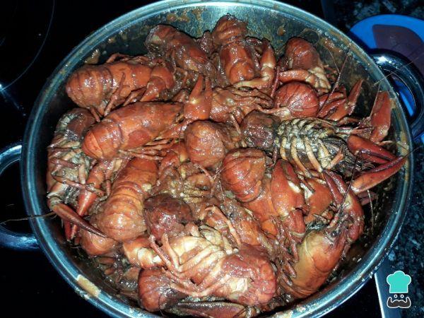 Aprende a preparar cangrejos de río en salsa con esta rica y fácil receta. Aprende cómo cocinar cangrejos de río con esta receta fácil que comparte nuestros usuarios...