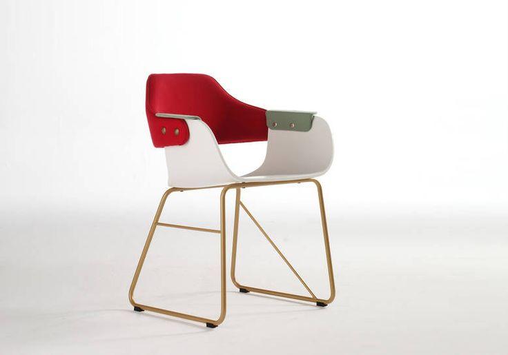 Showtime chair - Sled base   BD Barcelona Design