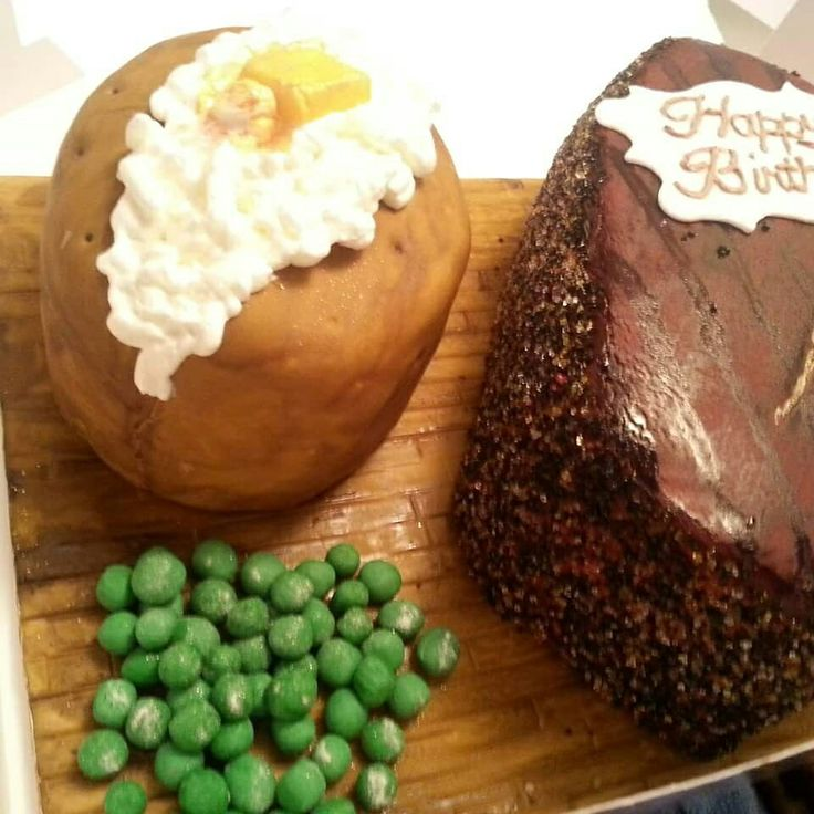 Steak & Potatoe  (chocolate & white) all edible, Peas and serving woodgrain plate.