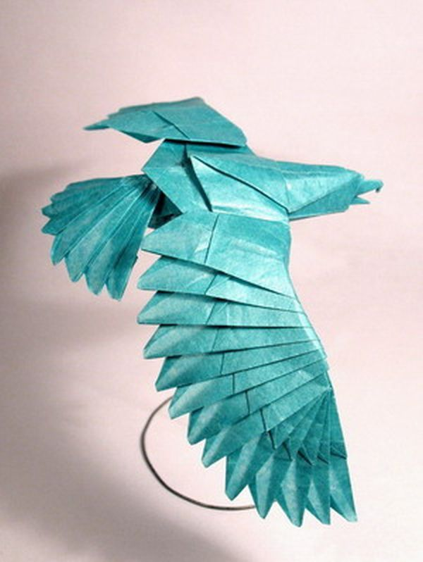 How much paper did it require to make this phenomenal, origami eagle. How many separate sheets of paper did it take; or was it one long, piece of paper?