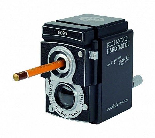 Ořezávátko KOH-I-NOOR 7-12 9095 stolní v retro designu fotoaparátu
