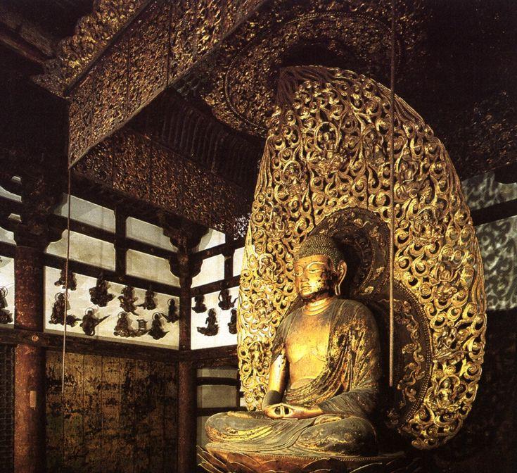 83. Jocho, Buddha Amida, 1053. Legno dorato, h. cm. 284 (il piedistallo, h. cm. 178). Kyoto, Byodo-in, Hoodo.
