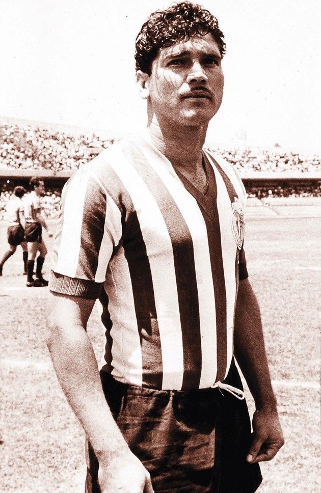 "Salvador ""Chava"" Reyes.  Leading all time scorer for Guadalajara.  122 goles"