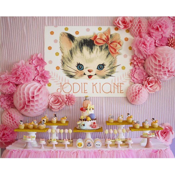 «Kitten  #kayegarciaevents #eventstyling #desserttable #kitten @cottontailcakestudio @kenddymc»