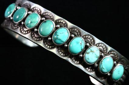 Turquoise wedding band. I want one