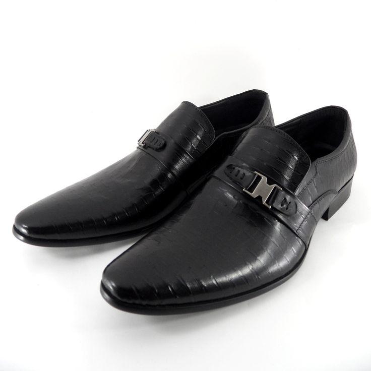 Sepatu Merek Areman Seri A3651-6: Sepatu import kualitas premium dengan bahan kulit asli ini didesain dengan model yang modern ditambah tekstur yang bercorak sehingga cocok untuk pria metro yang ingin tampil menonjol dan bergaya.