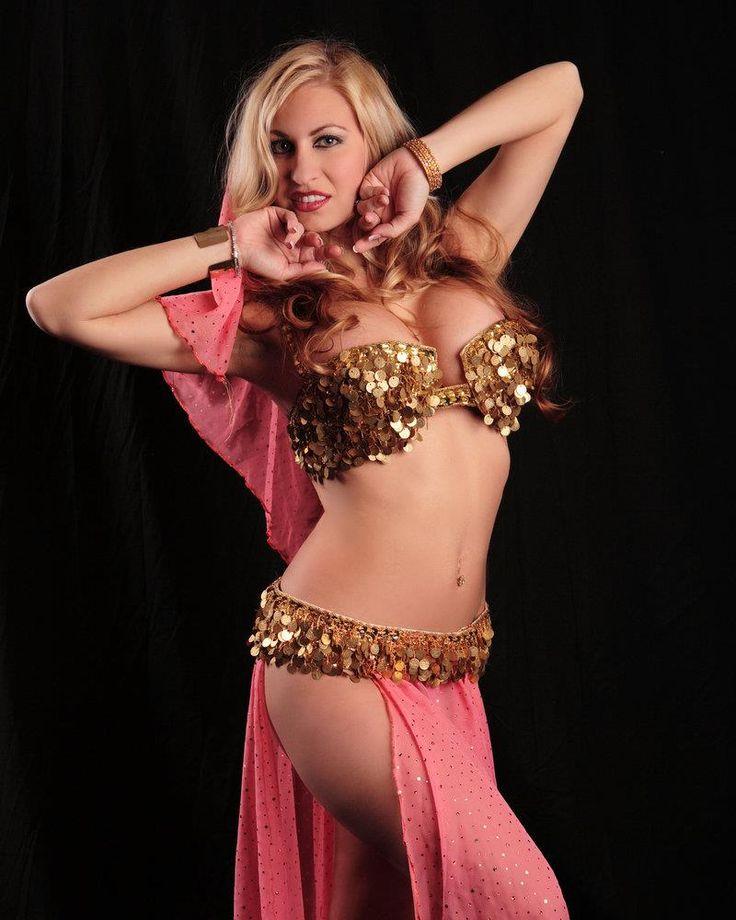 kazahstanskie-krasivie-arabki-tantsuyut-striptiz-popka