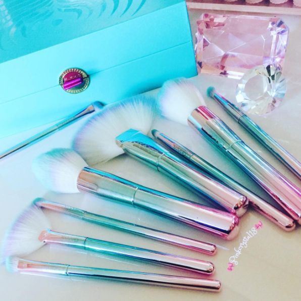 This pink and blue iridescent ombre set will leave you feeling like a unicorn is brushing your face with magic.