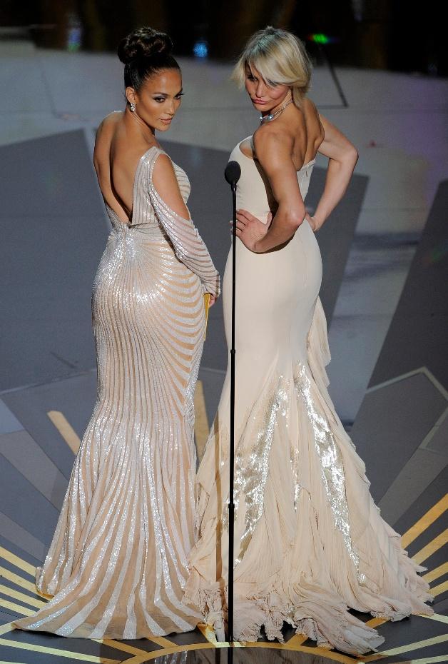 Jennifer Lopez and Cameron Diaz - The bum's have it!