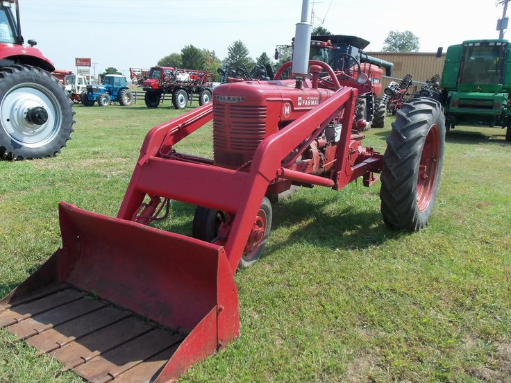 Farmall Tractor With Loader : Farmall m with loader tractors pinterest