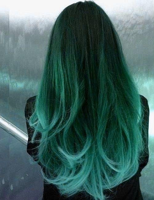 Cabelo em Degradê Verde e Azul