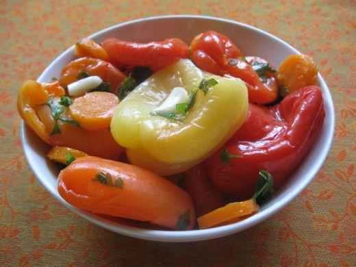 Speca turshi me vaj uthull dhe hudh r receta for Albanian cuisine kuzhina shqiptare photos