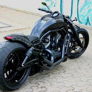 Harley Davidson V-Rod.                                                                                                                                                                                 More